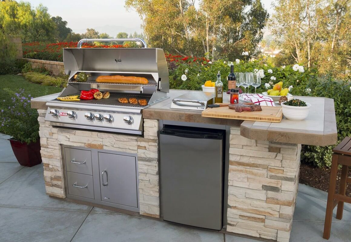 6 BULL OUTDOOR KITCHEN AND BBQ GRILL